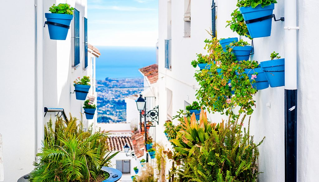 Spanish townhouses, villas, costal regions, white washed villages
