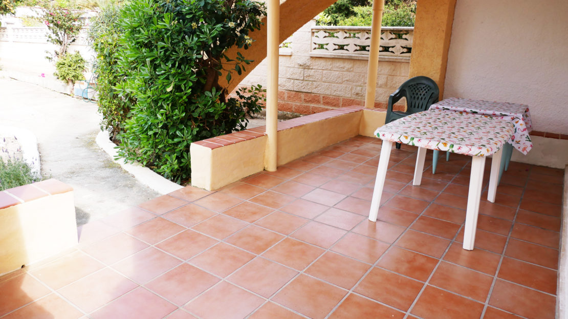 Family self catering apartment holidays in Spain made easy