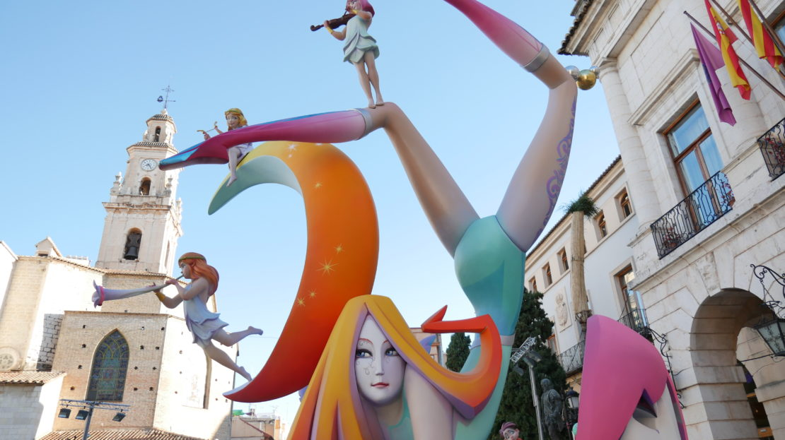 Enjoy the Fallas Festival at a self catering holiday villa in Gandia, ideal for families